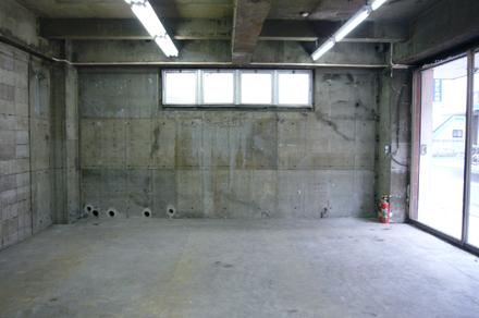 写真/借りる店舗が、スケルトン仕様か事務所仕様かで原状復帰の方法もかわります。写真はスケルトン