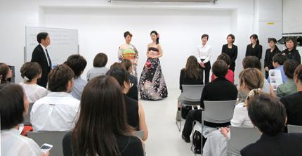 小林奈美子講師の「成人式向け実践的な帯結び&着物ドレスの着装」